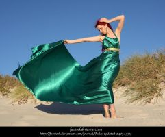 Green Silk 14 by faestock