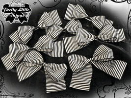 Striped Gothic Bows 2011 by zammap