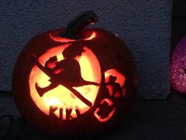 Kiki's delivery service pumpkin carving by Hiyomi-chan