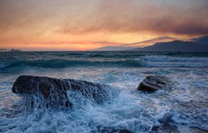 Komos Beach Sunset by xeneras