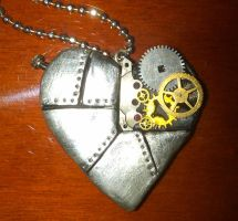 Steam Punk Heart by MissaDiabolikal
