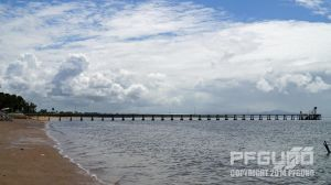 The Shoreline Of Cardwell by pfgun0