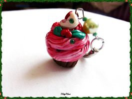 Festive Berry Sweet Cupcake by Cateaclysmic