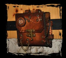 steampunk leather case by Lagueuse