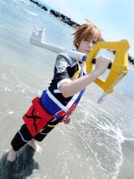 Kingdom Hearts: Sora Cosplay (video) by Smexy-Boy