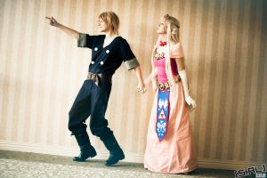 Link and Zelda: Whoa, Look by otellos