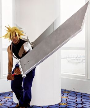 Cloud Strife Cosplay by NeoManaKnight