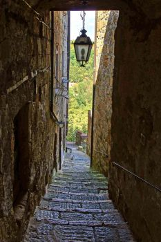 Streets of Pitigliano 2 by CitizenFresh