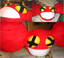 deadmau5 pillow by lymEpenguin