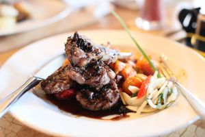 Grilled Lamb Shank by njomany