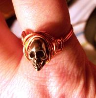 Wrapped copper and pewter skull ring by artefaccio