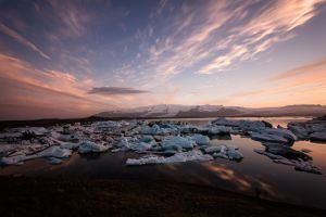 Sea of Ice - Joekulsarlon by LuckyLisp