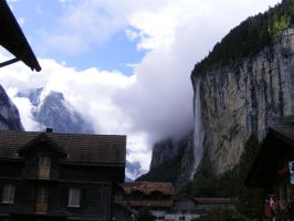 Morning in Lauterbrunnen 2 by Sadguardian