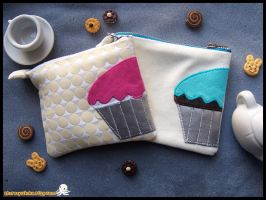 Cupcake Pouches by shiroiyukiko