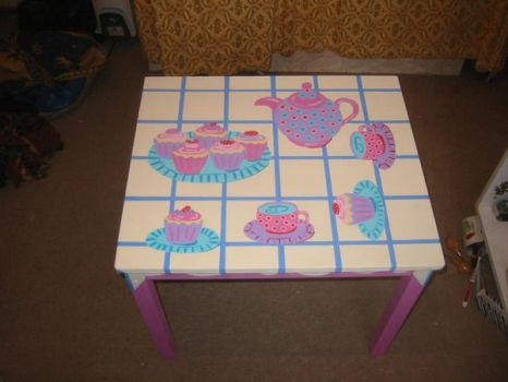 Childs table by groovyfeet