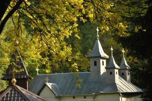 Last steps of autumn - church by Lk-Photography