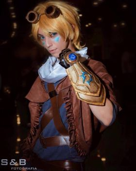 ezreal cosplay by lunoscosplay