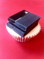 PS4 Cupcake (sugarcraft) by Ohnhai
