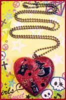 Alice Heart Resin Necklace by cherryboop