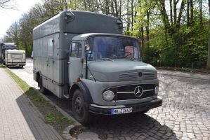 Mercedes 710 - front view by someoneabletofindana