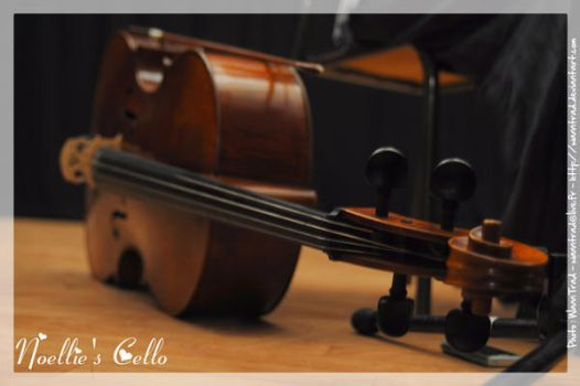 Noellie's Cello by WannTrad