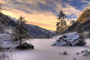 Frozen lake by ChriyChriy