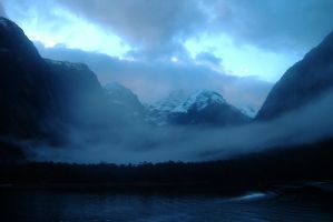 Milford Sound, New Zealand by scenery-painted