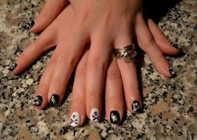 Angie nail art by IllyDragonfly