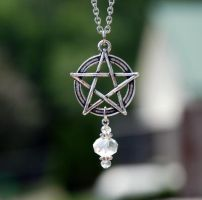 Pentacle crystal necklace by kittykat01