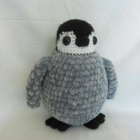baby emperor penguin by MasterPlanner