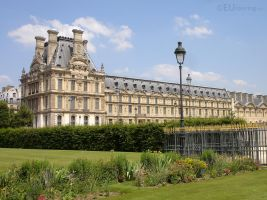 Tuileries looking to the Louvre by EUtouring