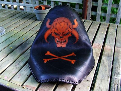 horned skull seat finished by leatheroo