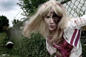 Blonde Zombie 2 by hallopino