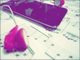 iPod . Love . Music by PiwyLullaby