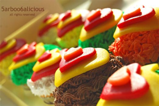 Cupcakes by 5arboo6a