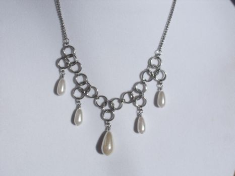 Pear Drop Chainmail Necklace by Pharewings