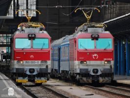 350 003 and 018 in Budapest by morpheus880223