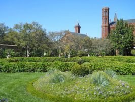 Haupt Gardens_Smithsonian Castle by Urceola