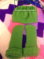 Sour APple Hat and Socks by minishadowlove