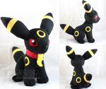 Sitting Umbreon by MagnaStorm