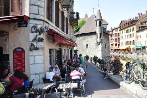 people in Annecy by Rikitza