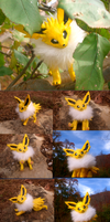 posable Jolteon by VengefulSpirits