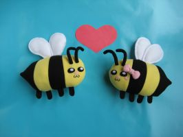 Mr and Mrs Honeybee by Neoitvaluocsol