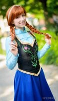 Princess of Arendelle by Rayi-kun