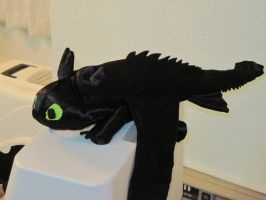 Toothless Plush 1.0 by lannakitty