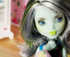 custom frankie stein monster high doll - rebecca by hellohappycrafts