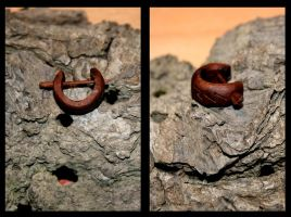 Wooden Earring by Hluthvik