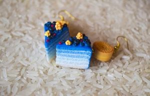Blue ombre cake - cloudberry by FoodFairy