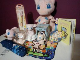 Pokemon Collection- Mews by OddworldianPrincess