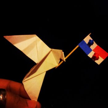 Origami peace dove by HikaruLychee7